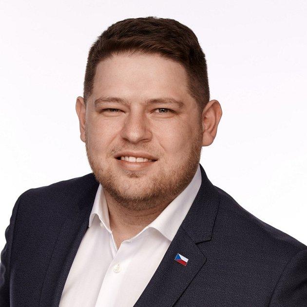 Karel Smetana, 33let, ředitel Arcibiskupského zámeckého vinařství vKroměříži, Haňovice, člen KDU-ČSL