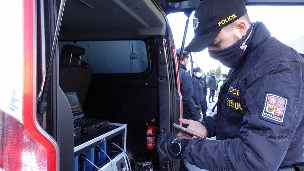 Policisté se ve čtvrtek v Kocourovci zaměřili na kontroly vozidel ze zahraničí.