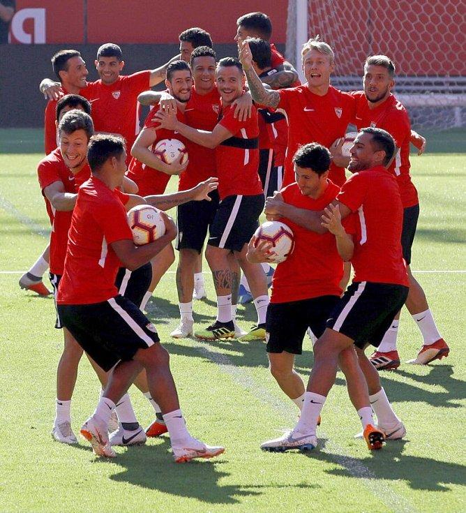 Hráči Sevilla FC na tréninku