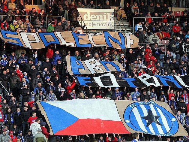 Olomoučtí fans při zápase proti Baníku v minulé sezoně