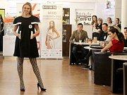 Dominika Handlová, Gymnázium Čajkovského, Olomouc. Představení finalistek Miss OK 2016 v Beauty Café v Olomouci