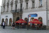 V Salmově paláci na Horním náměstí byla proslulá kavárna