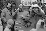 Budoucí první primátor Olomouce Milan Hořínek. Demonstrace za odchod sovětské armády z Olomouce