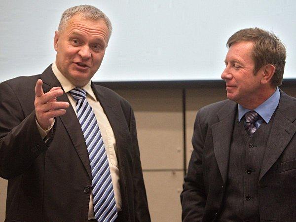 Kandidáti na post rekrora Univerzity Palackého Miroslav Mašláň (vlevo) a Jaroslav Miller
