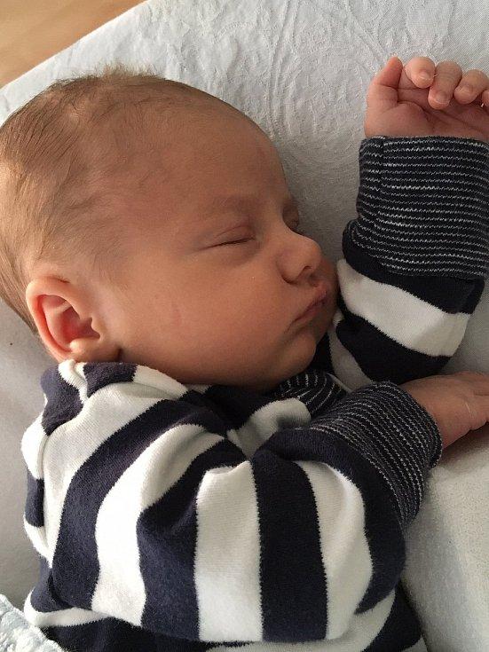 Janek Bláha, Teplice nad Bečvou, narozen 9. dubna  2020 v Novém Jičíně, míra 51 cm, váha 3 690 g