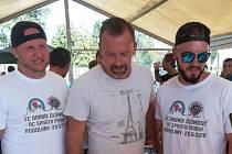 V Hodolanech proběhla v sobotu fotbalová exhibice mezi lokálním týmem FC Braník a starou gardou pražské Sparty. Jaromír Blažek (uprostřed)