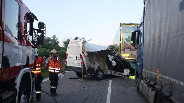 Nehoda tří vozidel na D35 u Olomouce - 22. 6. 2021