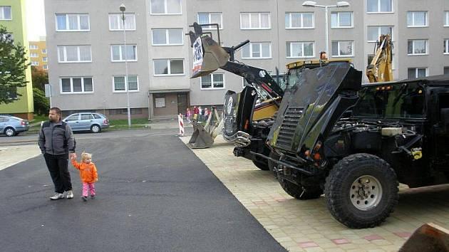 Otevření nových parkovišť na ulici Skupova a Trnkova