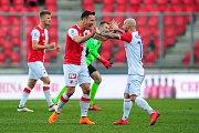 Fotbalové utkání HET ligy mezi celky SK Slavia Praha a SK Sigma Olomouc 11. března v Praze. Zleva se radují Stanislav Tecl a Miroslav Stoch.
