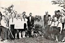 Pietní akt v Lužicích k uctění památky padlých rudoarmějců