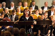 Koncert krakovské filharmonie v olomouckém kostele P.M. Sněžné slavnostně zahájil unikátní výstavu Rozlomená doba