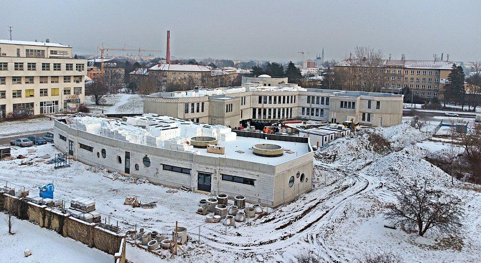 Stavba nové budovy Waldorfské školy v olomoucké čtvrti Hejčín. Začátek února 2021