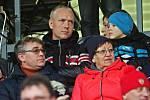 Bývalý trenér Sparta a Sigmy Václav Jílek v hledišti olomouckého stadionu.