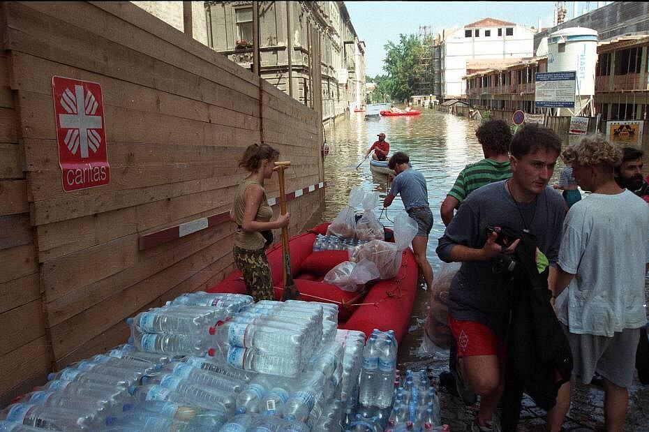 Olomouc, 10. července 1997. Zásobování pod Hanáckým kopcem