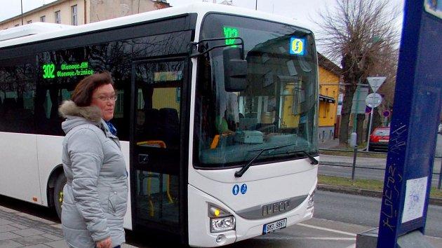 Autobus KIDSOK v nové bílé úpravě a s novým číslem linky