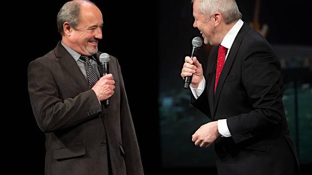 Viktor Preiss a Marek Eben. Olomoucký kraj uděloval ceny za kulturní počiny roku 2016.