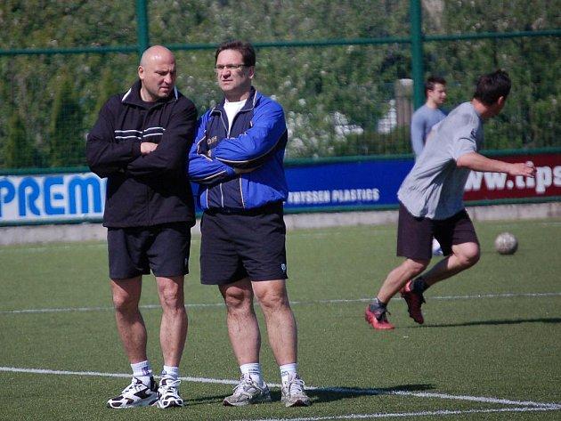 Trenéři prvoligového HC Olomouc Petr Vlk a Petr Fiala (zleva).