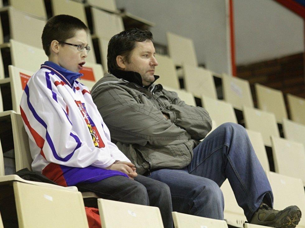 Fanoušci na olomouckém zimním stadionu podporovali na dálku český hokejový tým v Soči v bitvě proti USA