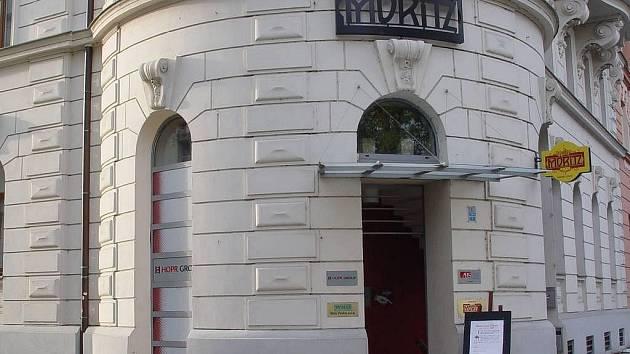 Vchod do restaurace Moritz na Palachově náměstí