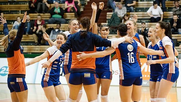 Volejbalistky Olomouce porazily v nadstavbové části Prostějov 3:0.
