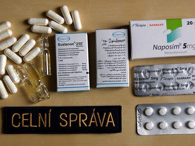 Zátah na nelegální obchodníky s anabolickými steroidy