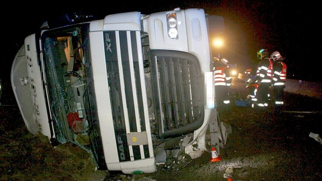 Nehoda kamionu na obchvatu Olomouce u Globusu, 8. března 2018
