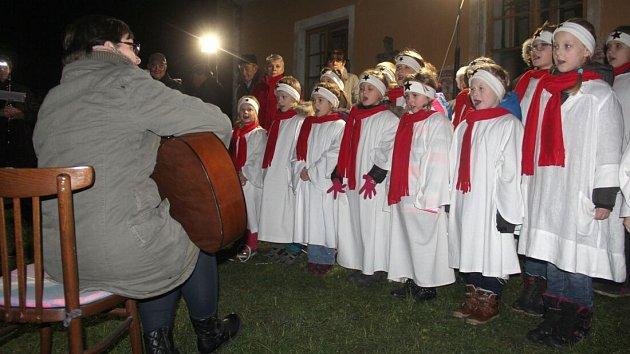 Rozsvěcení vánočního stromu v Mladějovicích
