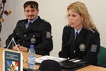 Policejní tým krizové intervence v Olomouckém kraji vede psycholožka Martina Velikovská. Na snímku je s členem tohoto týmu, policejním komisařem Jiřím Švubem