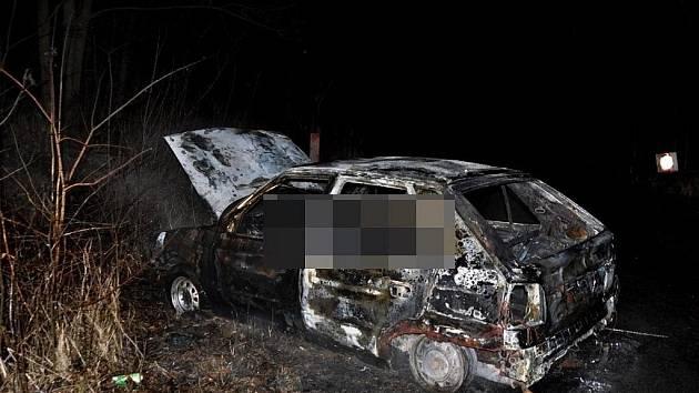 Tragický požár felicie u Mladče