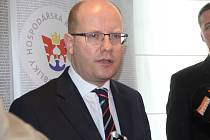 Jednání Hospodářské komory v olomouckém hotelu Clarion navštívil i premiér Bohuslav Sobotka