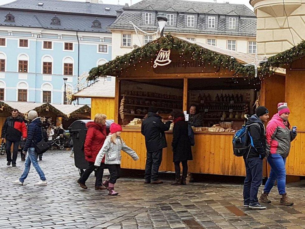 Vánoční trhy v centru Olomouce končí