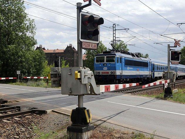 Přejezd v Holické ulici v Olomouci na spojce mezi Holicí a Novým Světem