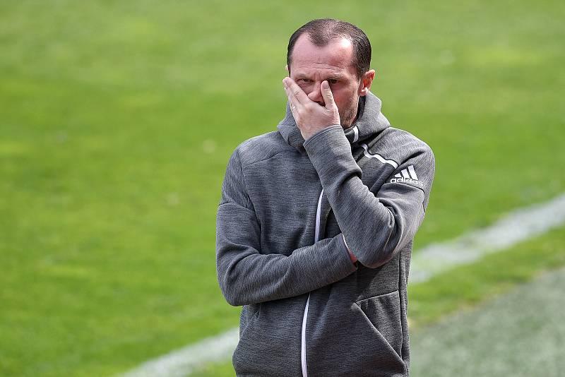 Trenér Radoslav Látal po pohárovém vyřazení od Slavie v dubnu 2021