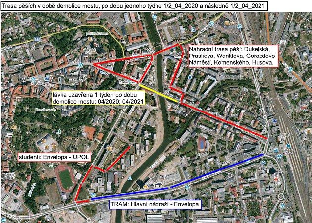 Trasa pro chodce po dobu přibližně týdenní uzavírky mostu na Masarykově třídě vOlomouci, ta začíná od pondělí 6.dubna.