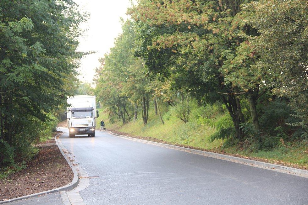 Nová silnice spojující Povel se Slavonínem