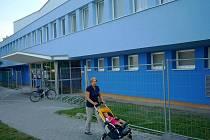 Plavecký stadion v Olomouci - nově s modrou fasádou