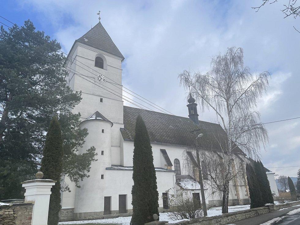 Dlouhá Loučka, pozdně gotický kostel sv. Bartoloměje, leden 2021