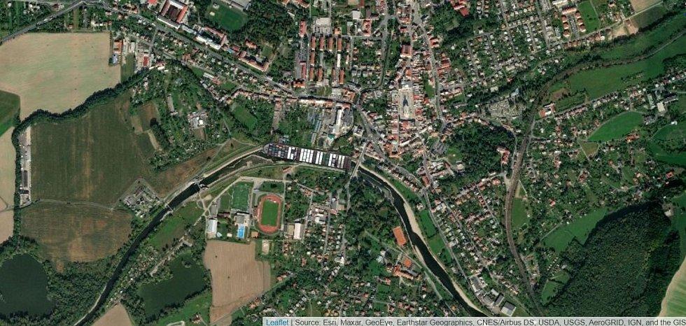 Kontejnerová loď Ever Given na řece Bečvě v Hranicích