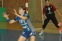 Kristýna Salčáková čeká na míč