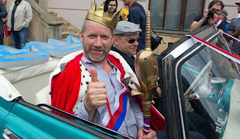 Králem Olomouckého Majálesu se stal rocker David Koller.