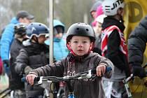 Na fortu číslo IV mezi Olomoucí a Bystrovanami se v sobotu 24. ledna jel zimní závod v biketrialu.