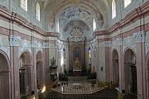 Obnovené fresky v chrámu Zvěstování Panny Marie ve Šternberku
