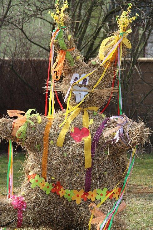 Velikonoční výzdoba v Hněvotíně, 29. března 2021