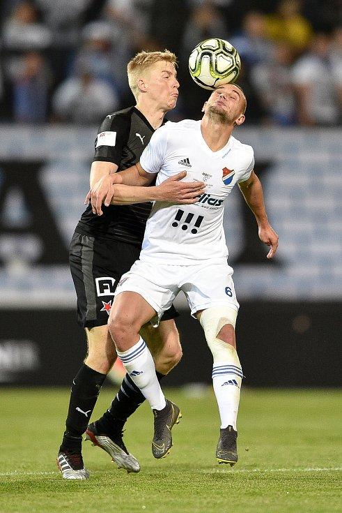 Finále fotbalového poháru MOL Cupu: FC Baník Ostrava - SK Slavia Praha, 22. května 2019 v Olomouci. Zleva Frydrych Michal a Denis Granečný.