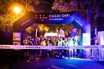 Noční běh pro Světlušku přiláká stovky běžců.