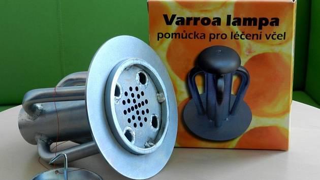 Varroa lampa, která vznikla v Centru regionu Haná pro biotechnologický a zemědělský výzkum