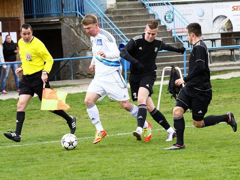 Marek Vinkler. Fotbalisté Šternberku proti béčku HFK Olomouc