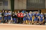 Házenkáři Velké Bystřice (v modré) v poháru proti Zubří