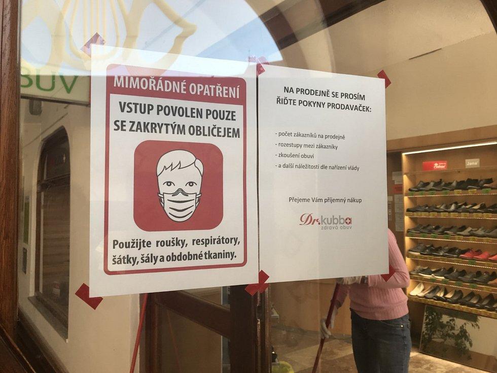 Olomoucké obchody po uvolnění části restrikcí v pondělí 27. dubna 2020