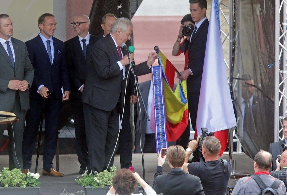 Prezident Zeman na Masarykově náměstí v Hranicích